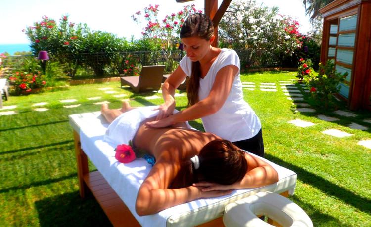 ACACIA RESORT_ massaggi
